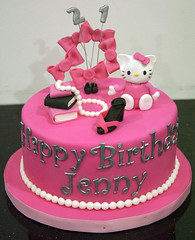 BC4034 - hello kitty birthday cake (www.fortheloveofcake.ca) Tags: hellokitty hellokittycake 21stbirthdaycake girlycake shoppingcake torontocakes torontobirthdaycakes