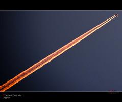Cortando el aire (scarabaeus sacer) Tags: diagonal cielo 2008 avin almera estela 2011 terrao procesado trayectoria a3b nikond300 jatm64