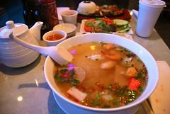 hu tieu thap cam (sevenworlds16) Tags: soup restaurant vietnamese seafood noodle southbay milpitas hutieu songngu hutieuthapcam
