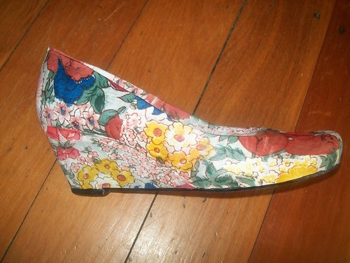 Floral Wedge side