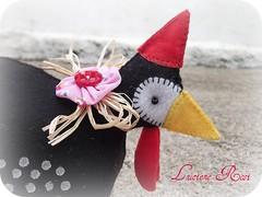 T fraco, t fraco... (Luciene Rosi ) Tags: chicken brasil galinha handmade artesanato feltro tecido coc feitoamo dangola
