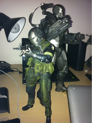 First Big Boss (MGS) that actually gets a battle helmet. Haha.