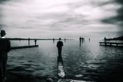 [フリー画像] グラフィックス, フォトアート, 人と風景, モノクロ写真, 201102081300