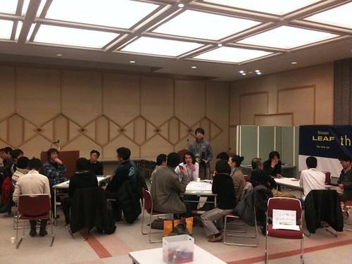 #evtna 3卓にわかれて議論するチーム