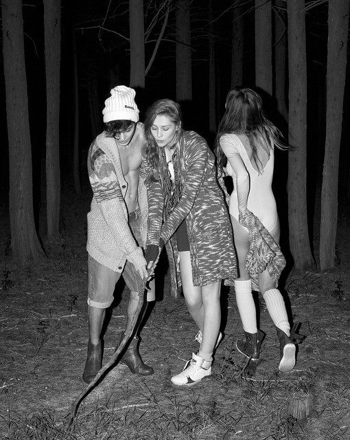 OZON Editorial › 'Last Nite' Shot by Marios Kalamaris