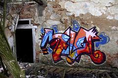 Old Graffiti Wall (C_MC_FL) Tags: door old art wall contrast canon photography eos graffiti austria sterreich colours fotografie alt wand kunst tag textures tamron kontrast dilapidation farben ruine