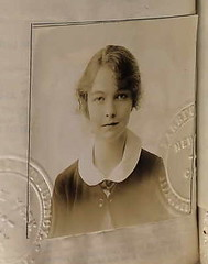 Lillian Gish 1917 (puzzlemaster) Tags: hollywood movies passportphoto silentfilms