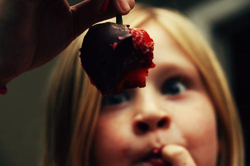 chocolate strawberry bite