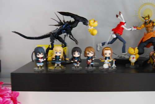 K-On! with the Alien Queen
