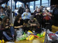 flashmob des smileys aiguille en fête 2011