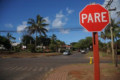 stop sign, rapa nui