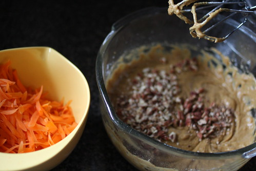 baking a carrot cake