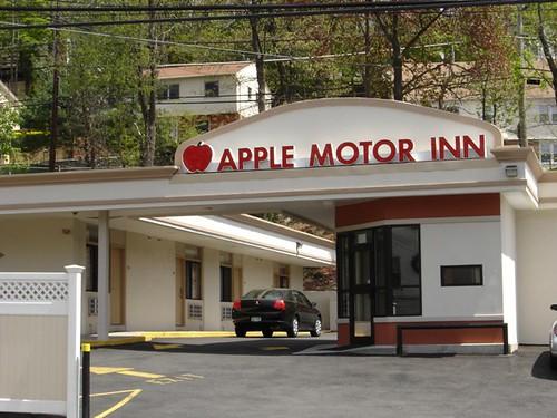 Apple Motor Inn - Entrance