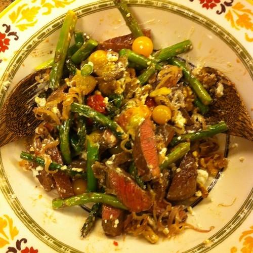 Warm steak asparagus and goat cheese salad