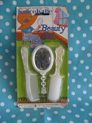 Beauty playset (Retro Mama69) Tags: vintagetoys retrotoys childhoodtoys beautyplayset juguetesnrfb toysmintcondition nrfbtoys dimestoretoys toysinpackage toysmadeinchina toysmadeinjapan