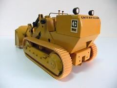"EXCAVADORA ""CATERPILLAR 941"" - NZG (RMJ68) Tags: cat toy miniature construction caterpillar 124 construccion bulldozer miniatura juguete excavadora diecast 941 nzg scale124"
