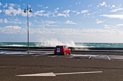 (javi-fuentes) Tags: street blue sea urban color car clouds composition mar calle wind lanzarote nobody canarias viento coche nubes flecha nadie javifuentes