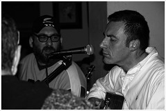 IMG_2102_720 (Davide Miglio) Tags: bw dylan canon live milano concerto musica artisti musicisti guccini feelgood 40d gruppomusicale canon40d musicistimusiciens barbarazagaglia
