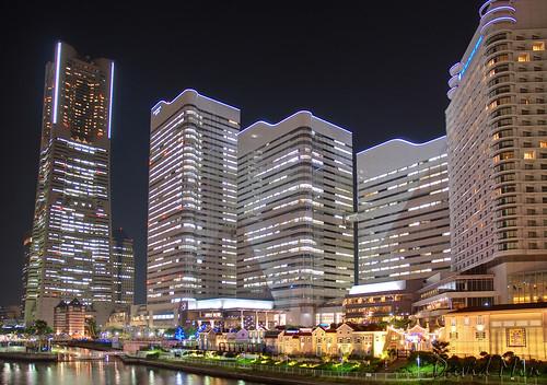 Yokohama, Japan - Minato Mirai 21 harbourside by GlobeTrotter 2000