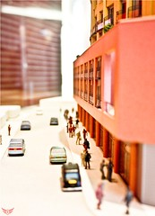(Ro2a) Tags: street london cars scale canon eos model peach human figures    450d ro2a  shismacom