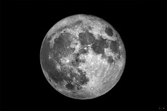 The Super Moon (J.R.Photography) Tags: moon march big saturday super astro astrophotography lunar 19th 2011 supermoon