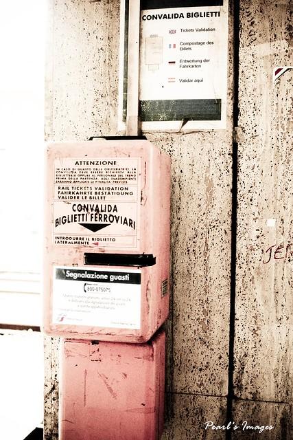 LA SPEZIA車站 刷票機