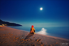 Goodnight world (Stefano Viola) Tags: ocean sea summer italy moon love primavera canon stars sand italia mare quiet peace estate feel luna romantic moonlight pace emotions amore spiaggia romantico notte feelings sabbia sperlonga stelle emozioni quiete chiarodiluna sentimenti