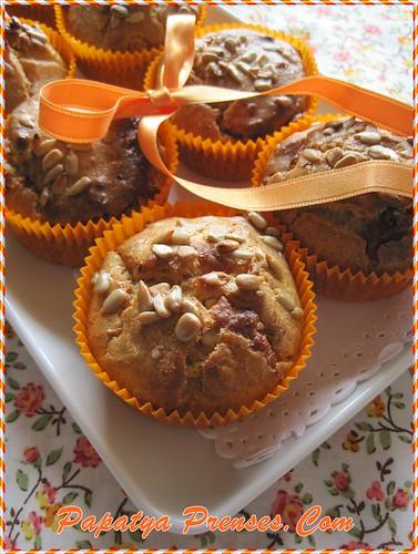 çekirdekli peynirli muffin (1)