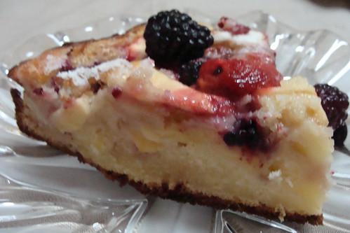 prajitura cu fructe mere, pere si mure