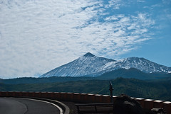 Pico del Teide (a.steltner) Tags: schnee vacation mountain snow nature berg volcano nationalpark spain nikon europe forrest kanaren urlaub natur peak unesco worldheritagesite espana pico tenerife teide wald teneriffa canaryislands spanien islascanarias vulkan gipfel kanarischeinseln mountteide picodelteide nikond60 santiagodelteide kartpostal weltnaturerbe tf82 3715meter