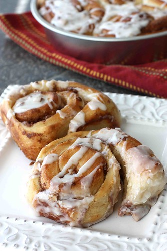 Heath Bar Chocolate & Toffee Cinnamon Roll Recipe