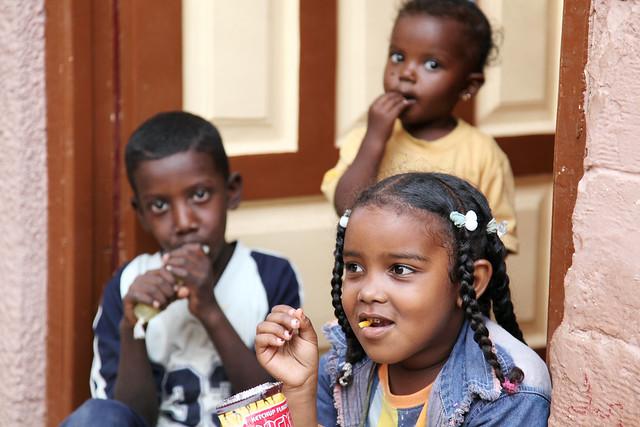 エジプト旅行 アスワン ヌビア村 子供たち