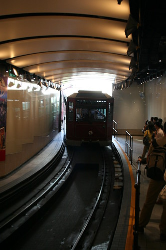 2011-02-26 - Hong Kong - The Peak - 02 - Approaching tram
