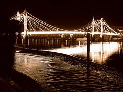 Albert Bridge, London (gadiemp) Tags: albertbridge london londres battersea batterseapark