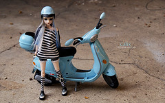 Going for a ride  //  2WoJ-D 13/14  //  ADAW 4/52 (Nouchka ) Tags: doll vespa scooter groove 452 nouchka tomatecerise camdenhighstreet calix 2011 junplanning jdoll adaw morganours adollaweek emapphoto twoweeksofjdolls