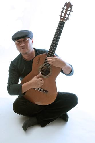 El maestro flamenco guitarist Paco Fernandez