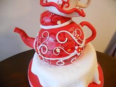 DSCN0085 (jgaut11) Tags: red white cake birthdaycake teapot wonky redandwhite topsyturvy fondant gumpaste whimisical