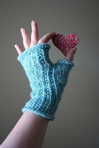 Belgique fingerless mittens