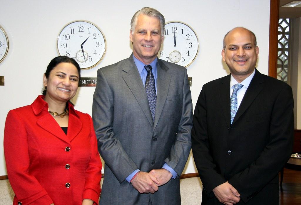 Ambassador Roemer greets Amit and Shahana Kanodia