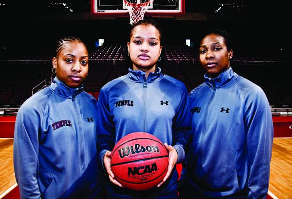 a.FEAT.SPORTS.womensbballportraits_sports_22feb2011_Colinkerrigan-15