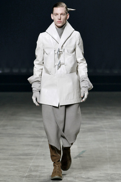 Tim Boot3045_FW11_Paris_Rick Owens(VOGUEcom)