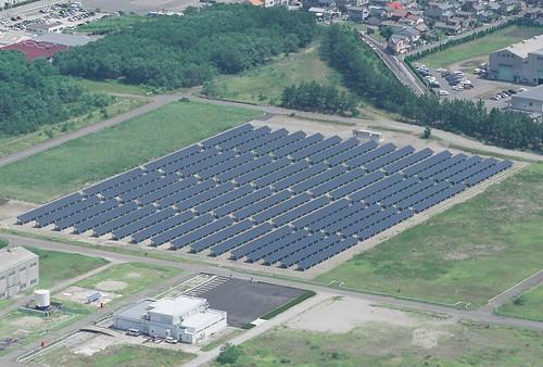 新潟雪国型メガソーラー航空写真