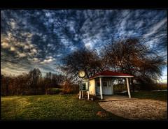 L.A.S.E.R. Golf (Kemoauc) Tags: sky cloud tree photoshop golf nikon wolken hdr topaz d90 photomatix hemmingen nippenburg hdrterrorist