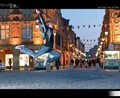 49|50 - Dancer in the Street (HD Photographie) Tags: street project pentax bokeh dancer hd 50 rue projet herv k7 danseur 2011 danseuse strobist dapremont hervdapremont project50|50