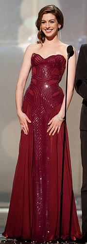 Anne-Hathaway-Oscar-dress4_183