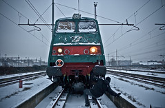 cold face (subliner) Tags: italy snow milan yard train real tren graffiti luces wire bravo italia panel amor milano cables crew wired writer electricidad fuego typo tension morro tipografia mision letras royals extintor escritor durmiendo faros vias cochera nieva catenaria subterraneus graffoti treintalia