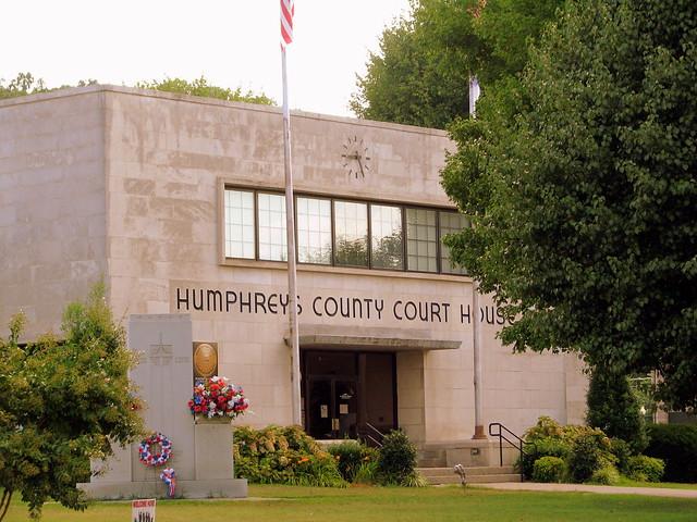 Humphreys County Courthouse A- Waverly, TN