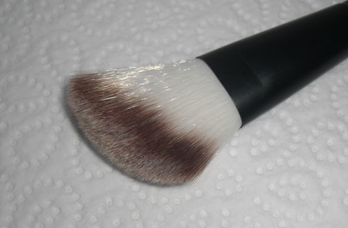 Galeries Lafayette's Blush Brush No. 12
