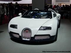 Bugatti Veyron GrandSport (alexsmolik) Tags: cars car geneva top convertible autoshow salon carbon bugatti genève luxury luxe veron carbonfiber motorshow veyron 2011 bugattiveyron grandsport fastestcar salondelautomobiledegenève véron bugattiveyrongrandsport alexsmolik genevamotorshow2011