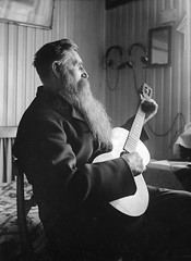 August Lndin, Krsta, Uppland, Sweden (Swedish National Heritage Board) Tags: portrait musician beard mirror bed chair guitar melody headphones riksantikvariembetet theswedishnationalheritageboard